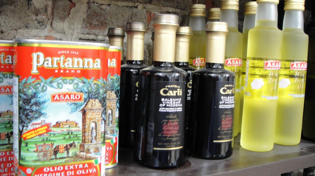 Imported Italian Products available at Cenacolo